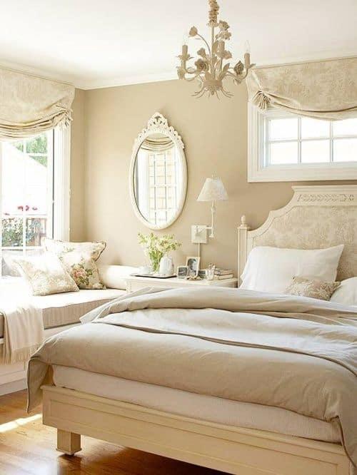 ห้องนอนสีครีมพาสเทล