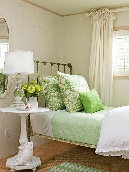 ห้องนอนสีเขียวพาสเทล